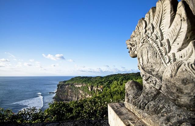 Uluwatu temple cliff, bali, indonesia