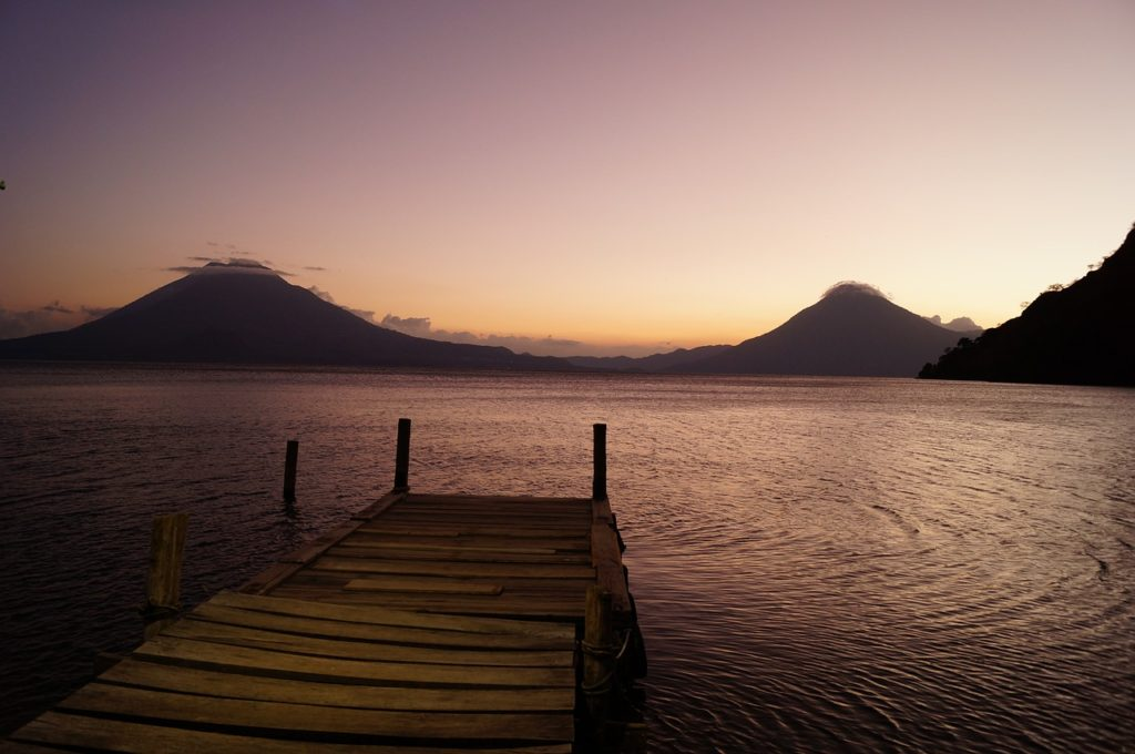 lac atitlan le matin