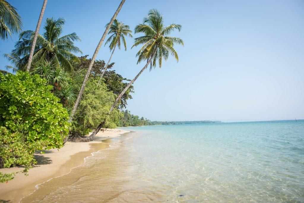 l'une des plages de koh man en thailande