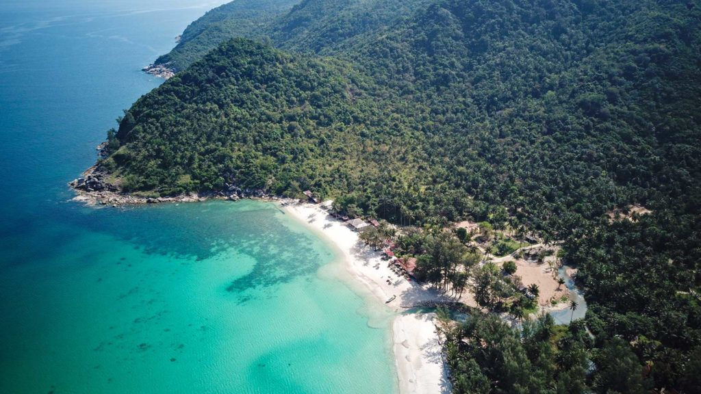 Bottle beach à koh phangan en thailande, très belle plage sur les plus belles îles de thailande
