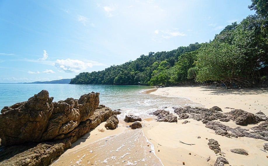 Ao Kwang Peeb à Koh Phayam, les plus belles îles de thailande