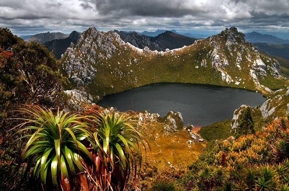 lake oberon pour les amoureux de la randonnée de plusieurs jours en tasmanie